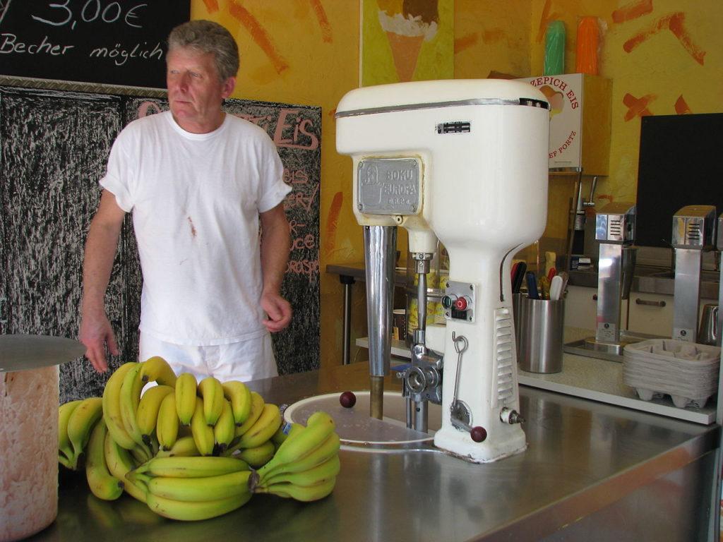 Машина для приготовления мягкого мороженого