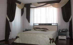 Красивые ламбрекены в спальне