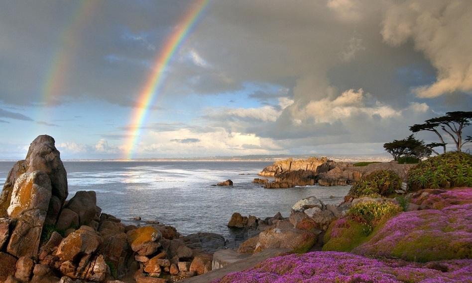 Радуга над морским пейзажем