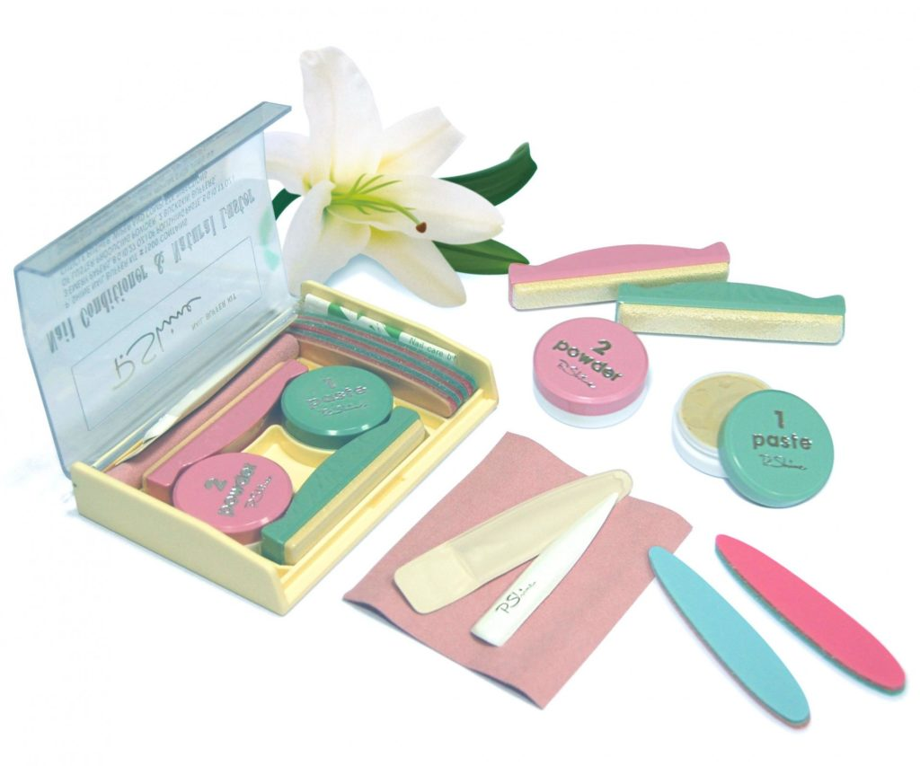 Разноцветные инструменты для маникюра