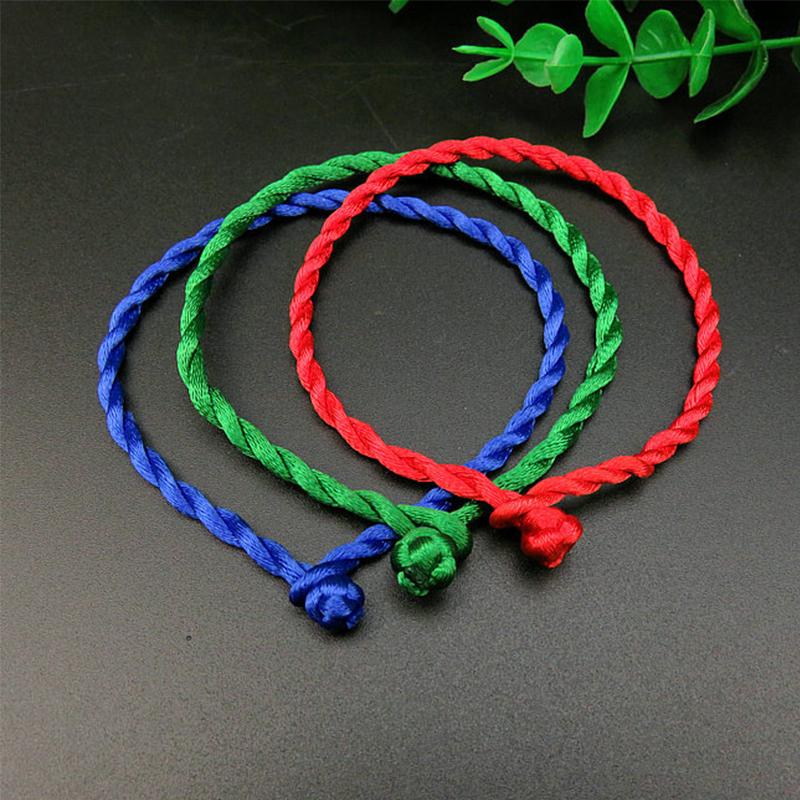 Синяя, красная и зелёная нить
