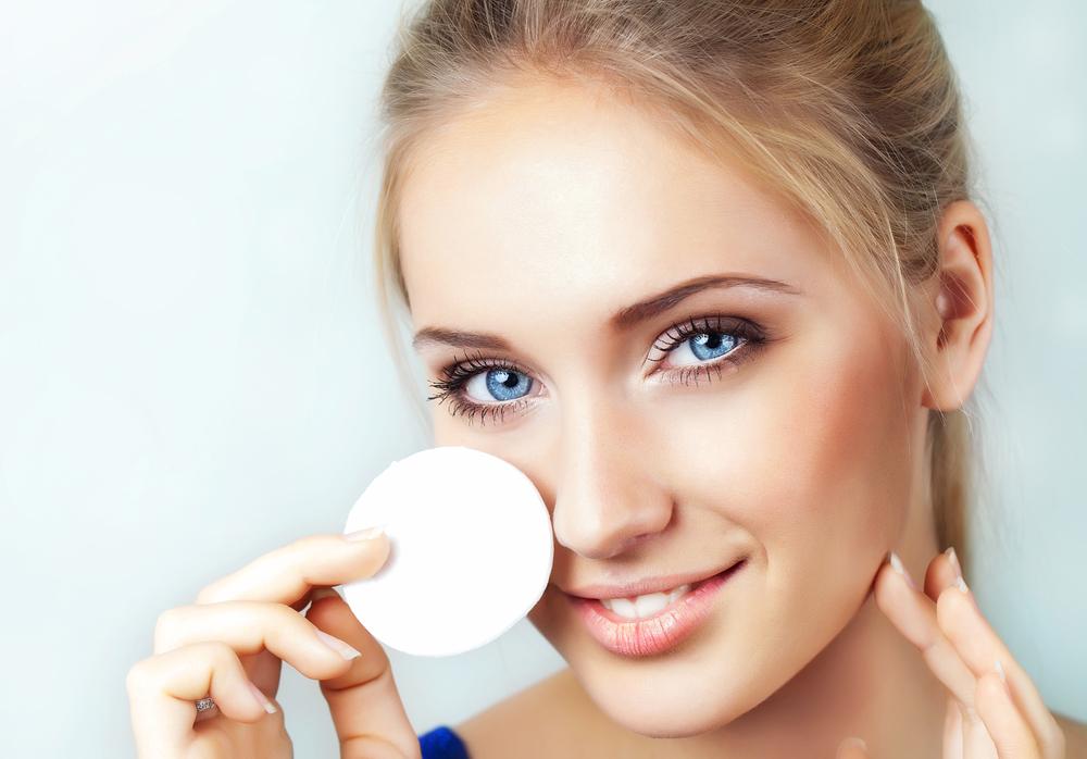 Снятие макияжа с глаз