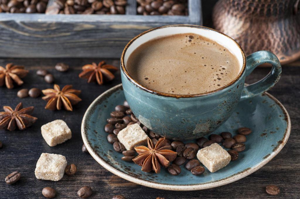 Старая чашка для кофе