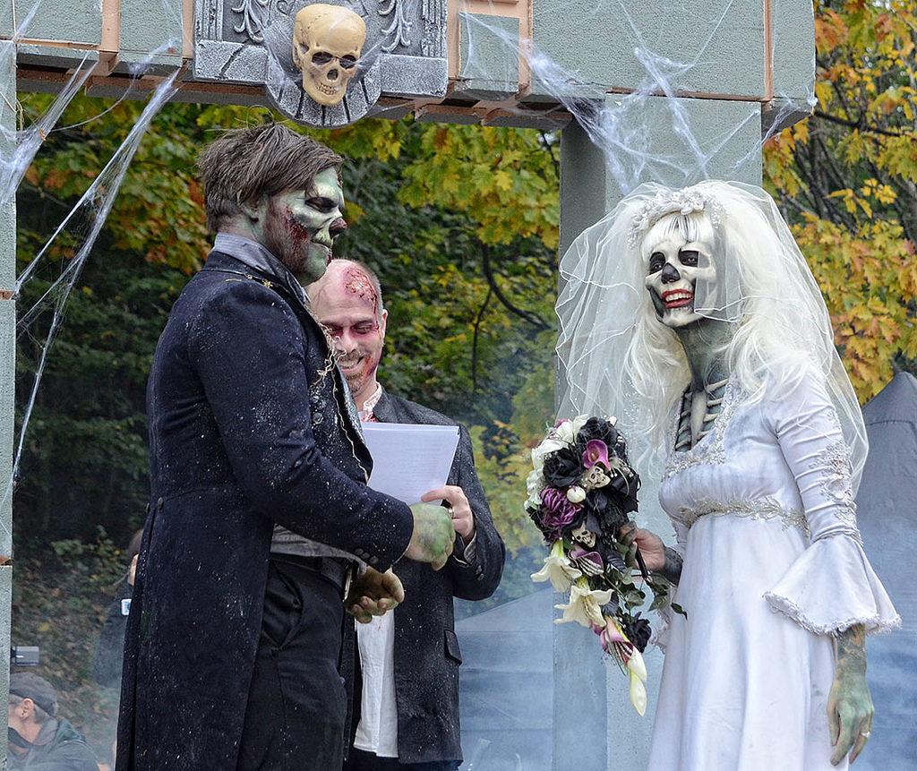 Свадьба в кладбищенском стиле