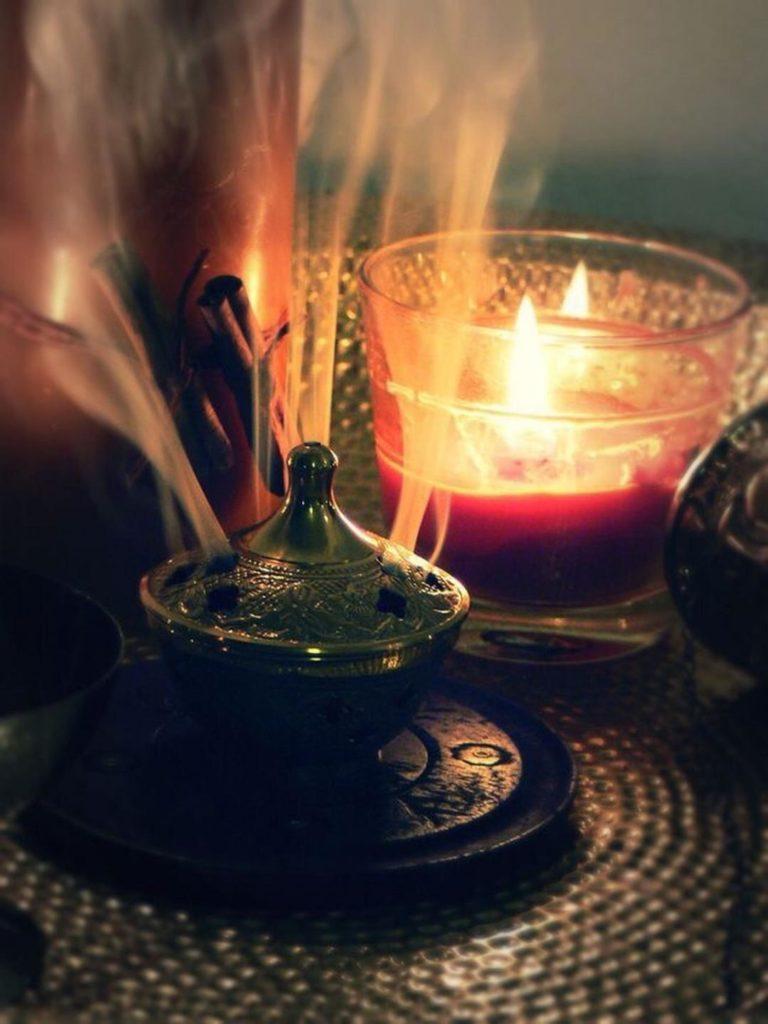 Свеча и благовония