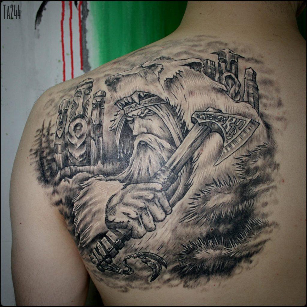 Татуировка с образом Велеса