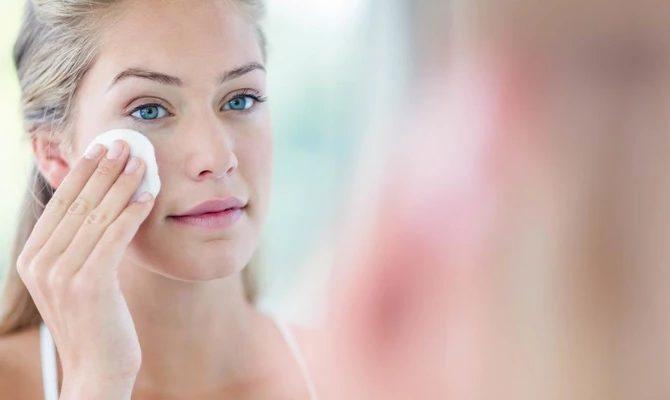 мицеллярная жидкость для очистки лица
