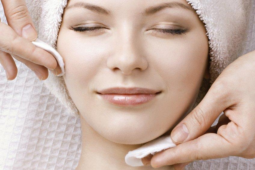 Уход за чувствительной кожей лица