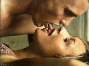поцелуй в засос с парнем