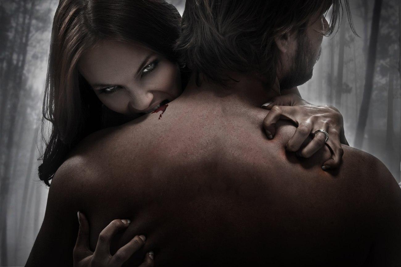 Любобовь и секс с вампиром