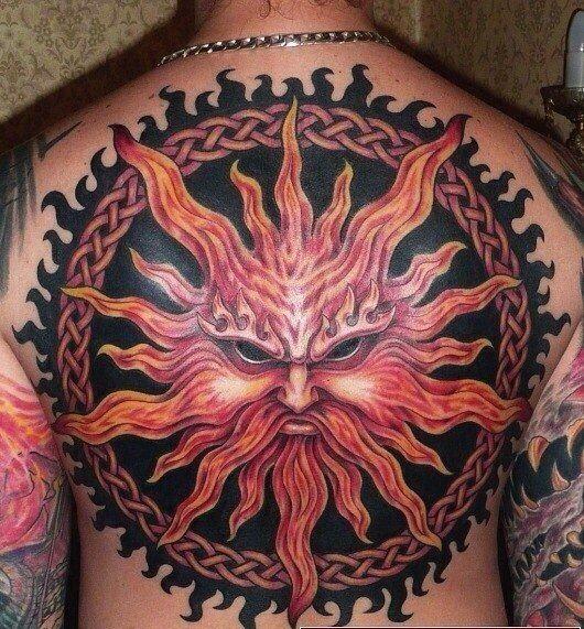 Татуировка в виде образа Ярилы