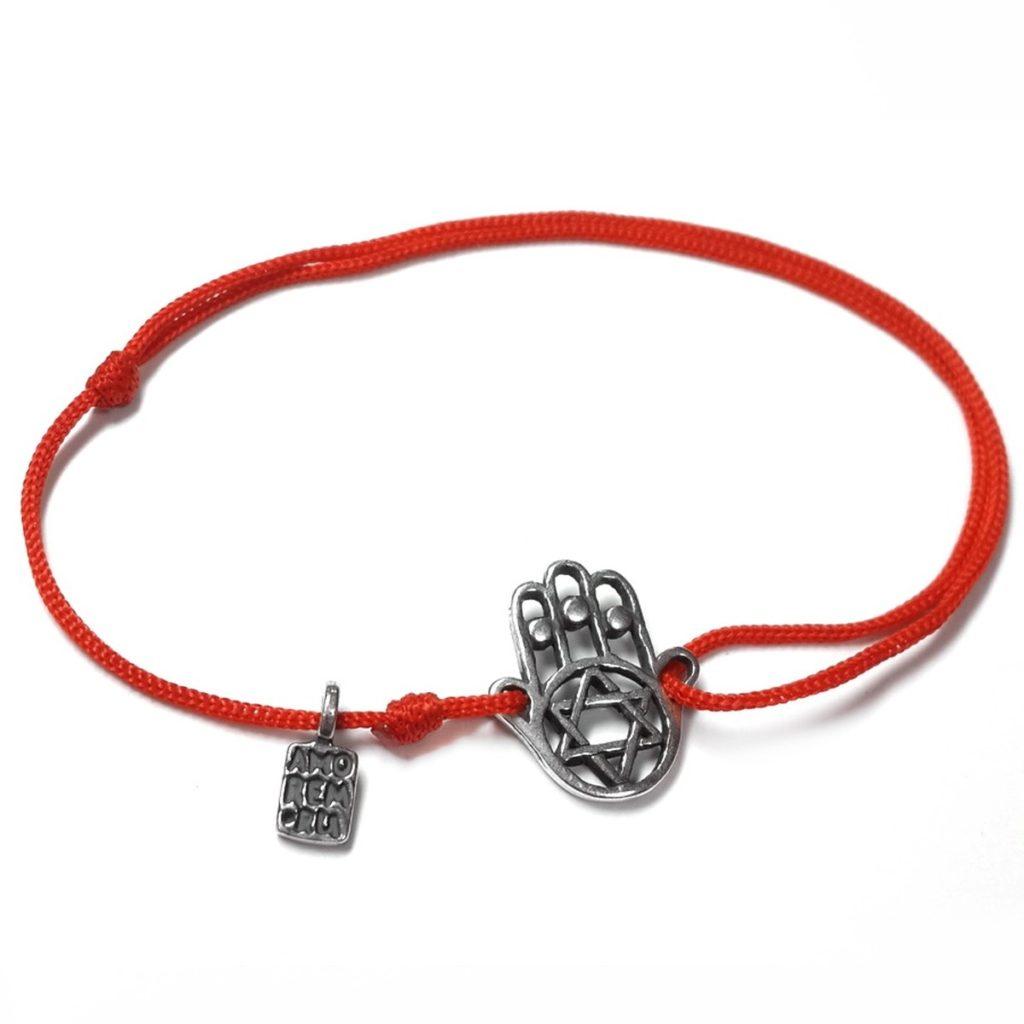 Защитная красная нить на запястье с рукой Хамсы