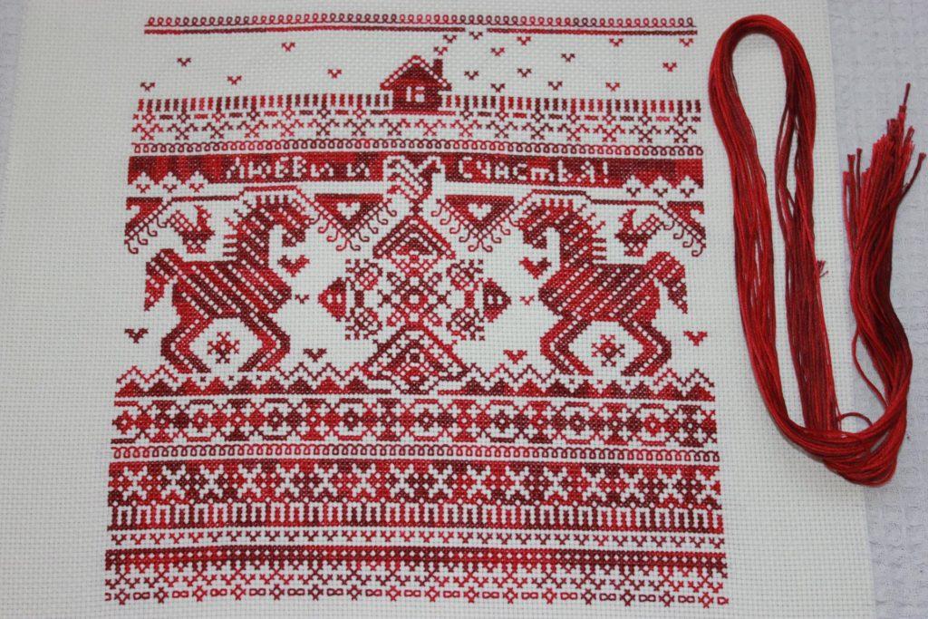 Защитная вышивка красной нитью у славян