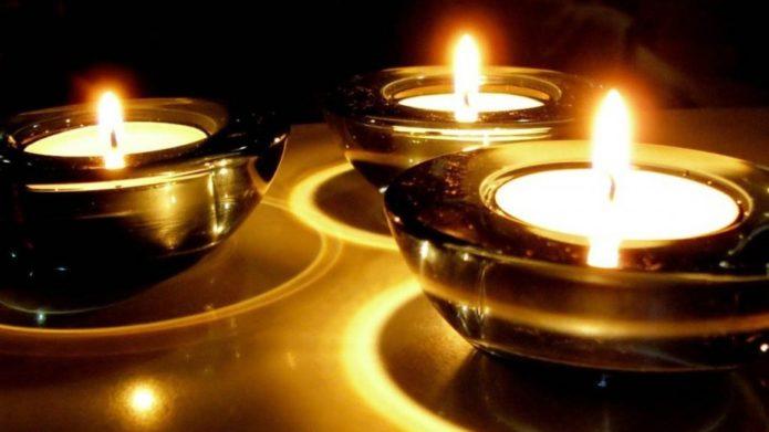 Зажжённые свечи